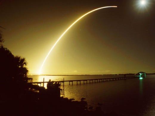 Atlantis, 2nd night launch of the shuttle, 26 Nov.,