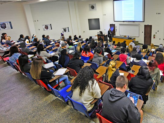 Wanda Goleman, associate professor of biology, lectures Monday, the first day of the spring semester at Northwestern State University. Late registration for the spring semester is available until Jan. 20.