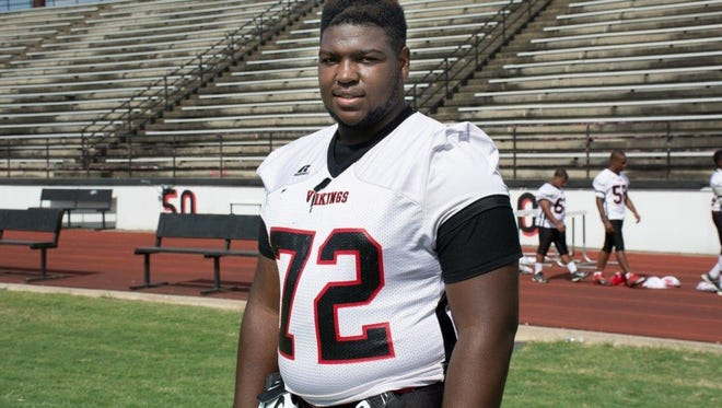 Defensive tackle Tyler Shelvin is the No. 12 player in the Rivals 100.