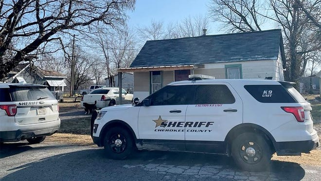 A search warrant executed Sunday by Cherokee County sheriff's deputies in Weir led to three arrests.