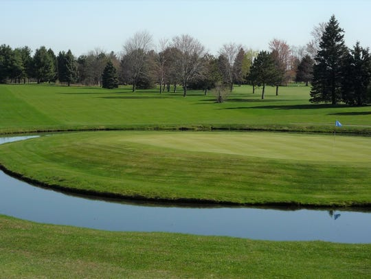 Oakland Hills has a unique hole surrounded by what