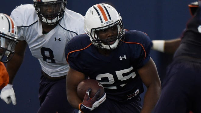Auburn running back Peyton Barber is learning football at the college level while coping with ADHD and dyslexia.