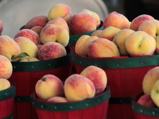 peaches at market.jpg