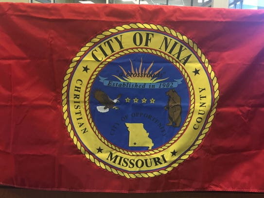 The City of Nixa's old flag, which was adopted in 1987.