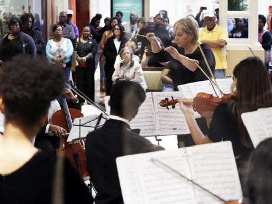 HHS Strings Holiday Concert at Turtle Creek Mall | Gallery