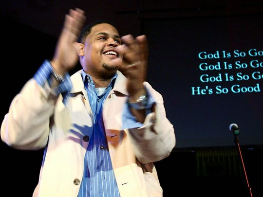 Rick Trotter leads the congregation at Fellowship Bible Church of Memphis in song during Sunday service in file photo shot 2006. Years later, doubling as a trusted worship and creative arts pastor at Downtown Church, the beloved NBA announcer secretly used a phone camera to shoot indecent videos up the skirts of female congregants as they sang and shared fellowship
