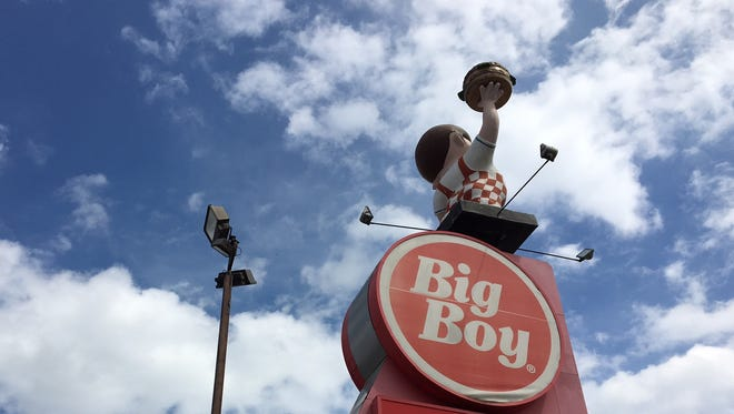 The Big Boy on East Jefferson, across from Belle Isle in Detroit closed after Easter Sunday 2017. The site was acquired by a Detroit developer.