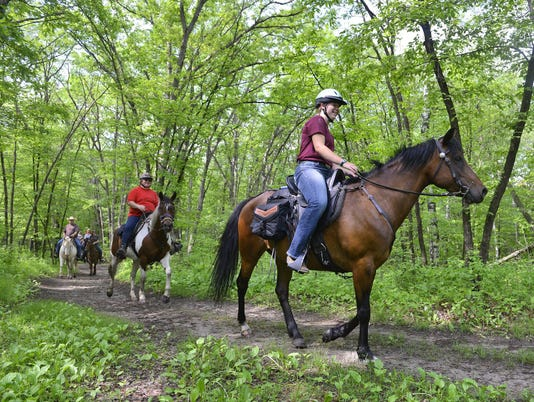 STC 0705 WW Horse Trail Ride 1