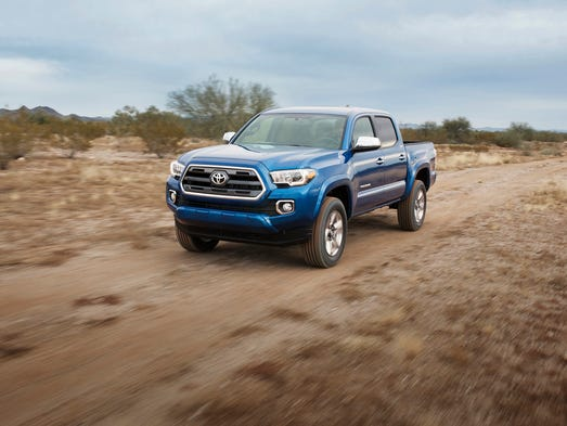toyota unveils new tacoma midsize pickup. Black Bedroom Furniture Sets. Home Design Ideas