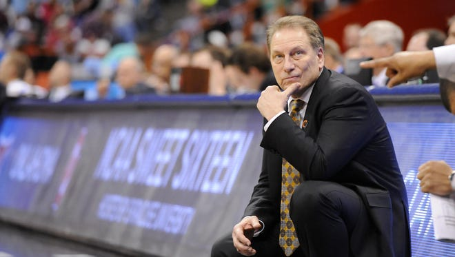 Rod Sanford/Lansing State Journal MSU head coach Tom Izzo watches the clock as the Spartans try to hold on to their victory against Oklahoma during their NCAA game in Syracuse last week. MSU head coach Tom Izzo watches the clock as the Spartans try to hold on to their victory against Oklahoma during their NCAA game in Syracuse, NY Friday 3/27/2015.