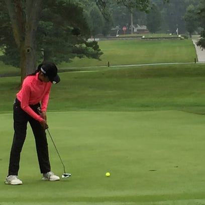 Pleasant's Dina Shah takes a putt during a Heart of