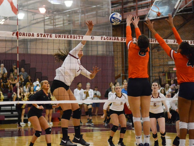 Milica Kubura (7) makes the attack for FSU, defeating