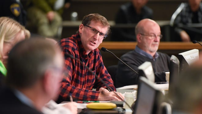 Council member Jeff Johnson speaks Monday, Nov. 6, during the St. Cloud City Council meeting at city hall.