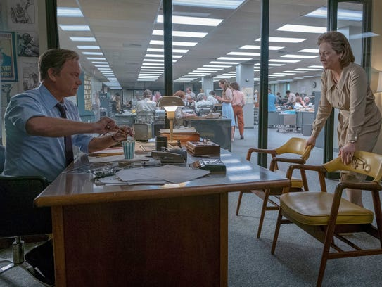 Tom Hanks portrays Ben Bradlee, left, and Meryl Streep