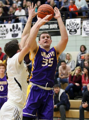 Unioto's Peyton Hill puts up a shot against Miami Trace on Feb. 4, 2017.