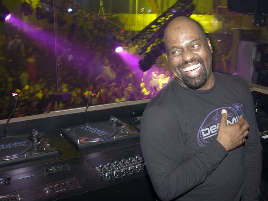 House Music 39 Godfather 39 Frankie Knuckles Dies At 59