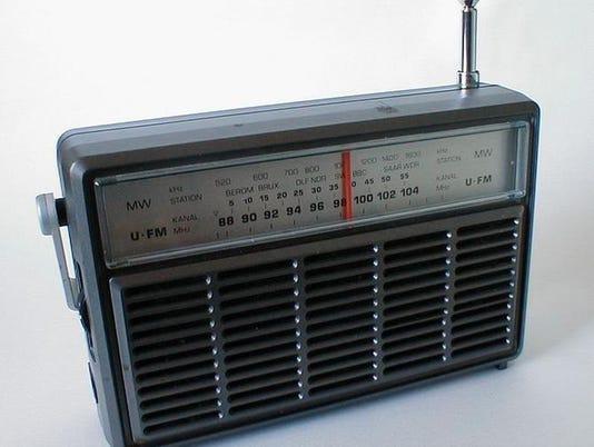635838780051535374-radio.jpg