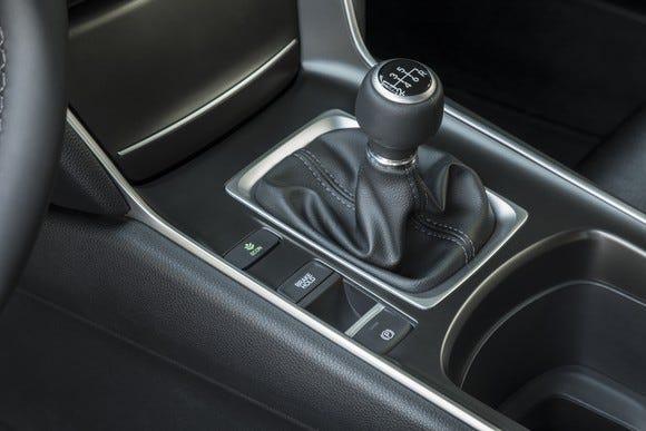 stick shifts edmunds offers top picks for manual transmissions rh usatoday com honda manual transmission fluid change honda manual transmission fluid