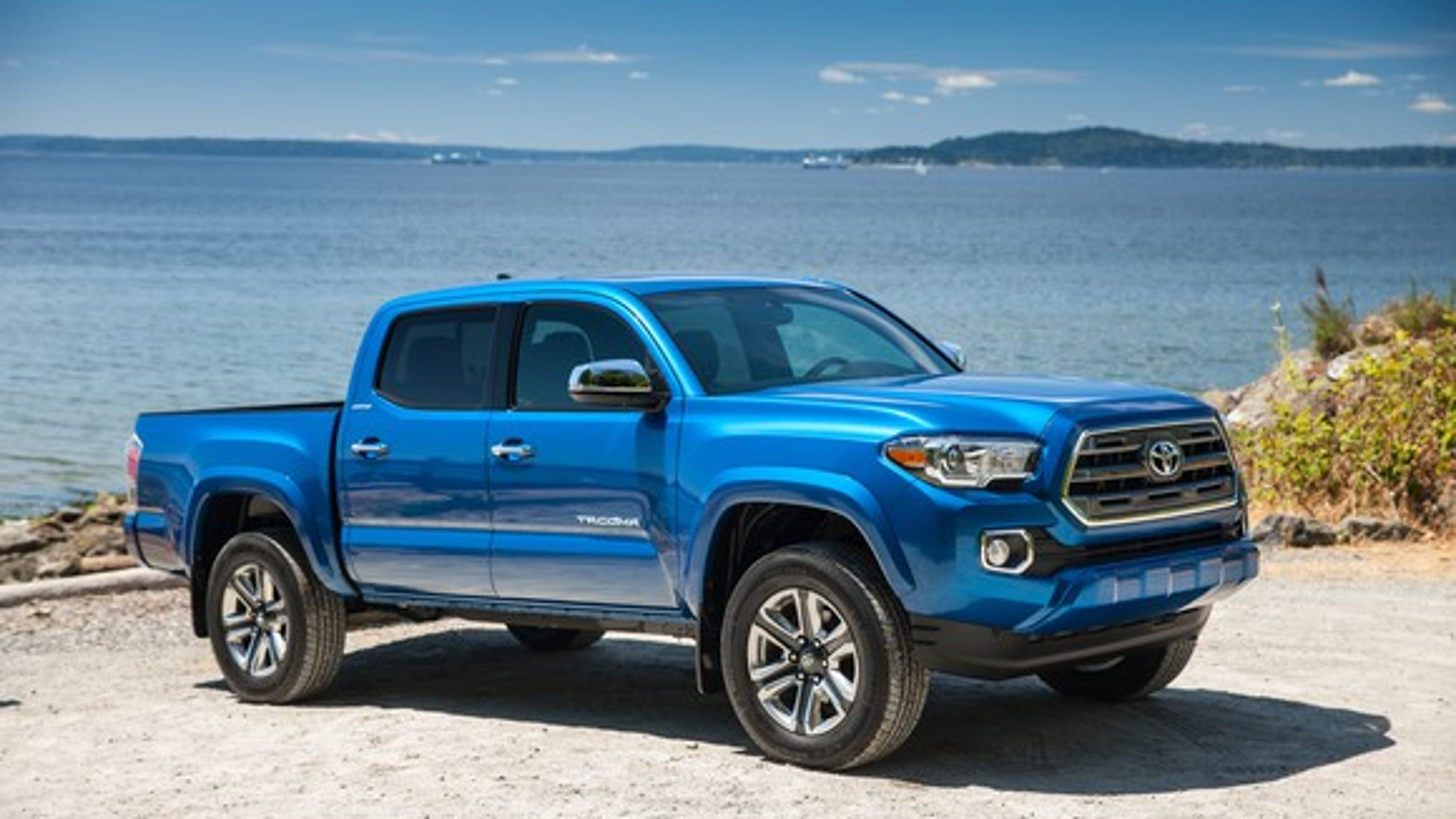 Toyota recalls quarter million Ta a pickups over oil leaks