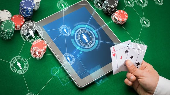 Reader can't get into interactive online poker game and doesn't understand directions from support.