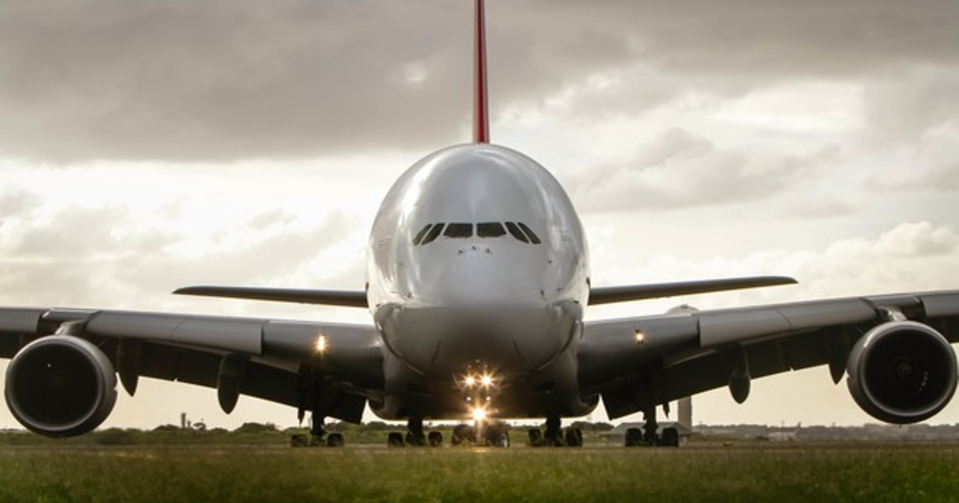 Airbus to sell 430 planes to Phoenix private equity firm