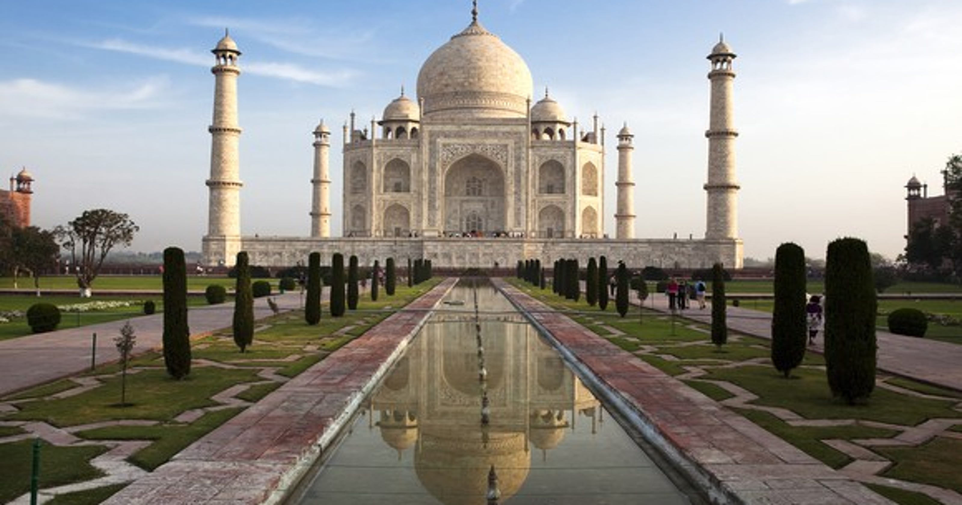 speech on taj mahal in english