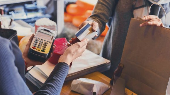 There are plenty of ways to tap those credit-card rewardsto help you stay within your budget.