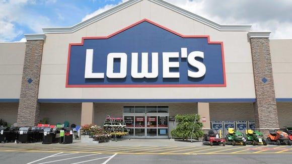 The front of a Lowe's store