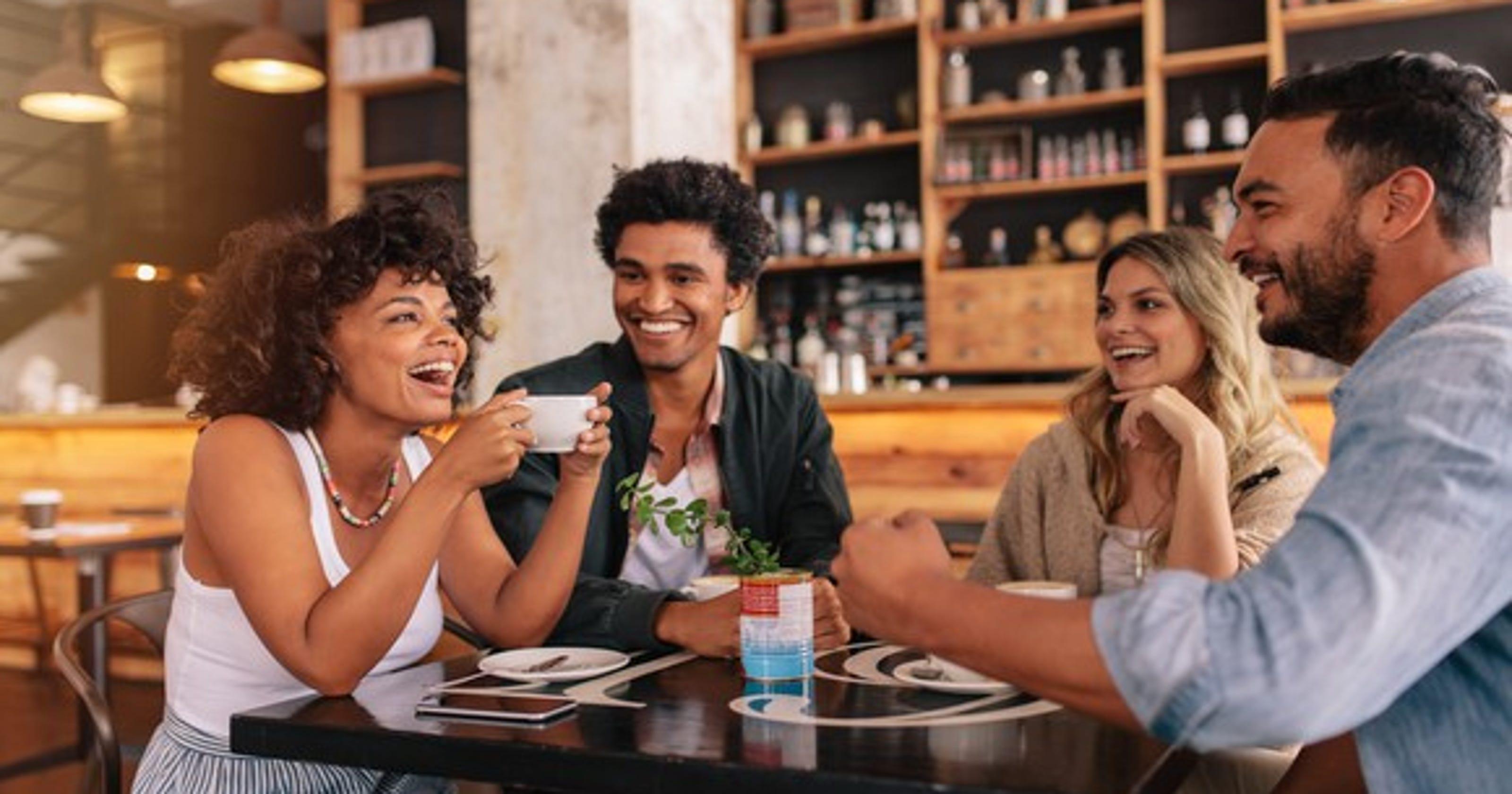 Друзей в кафе секс #10