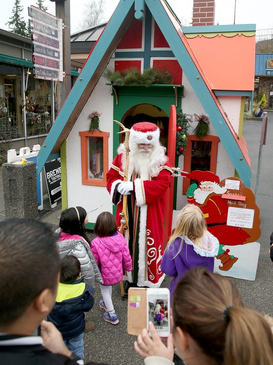 Poulsbo-christmas-lead-photo.jpg