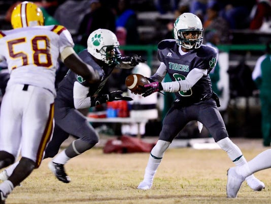 -perry-central-collins-high-school-football-007.JPG_20141107.jpg