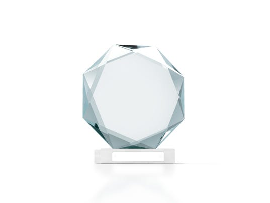 Blank round glass trophy mockup, 3d rendering