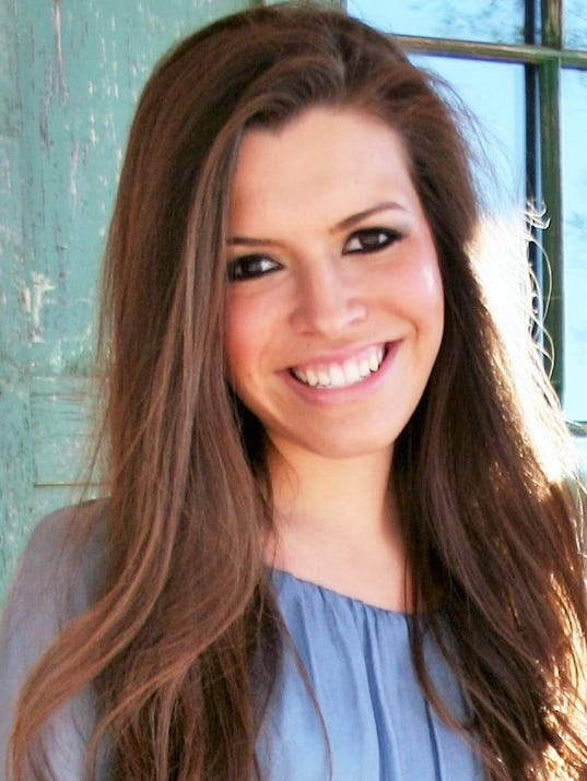 636320161158376389-Courtney-Lopez-Headshot.jpg
