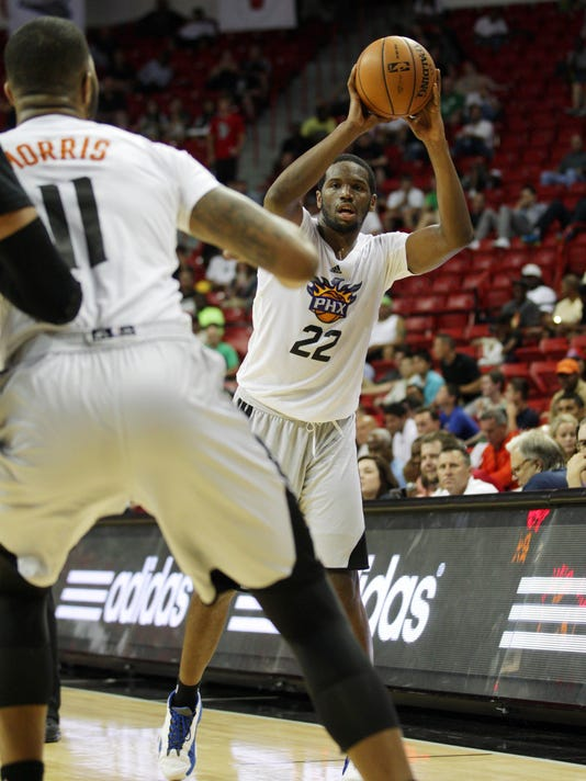 Dionte Christmas.Phoenix Signs Guard Dionte Christmas