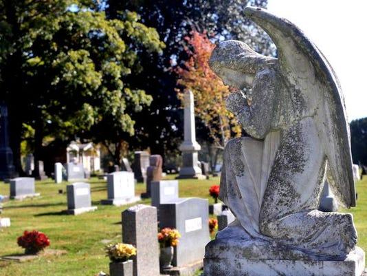 635812180925287004-00-Praying-Angel-monument