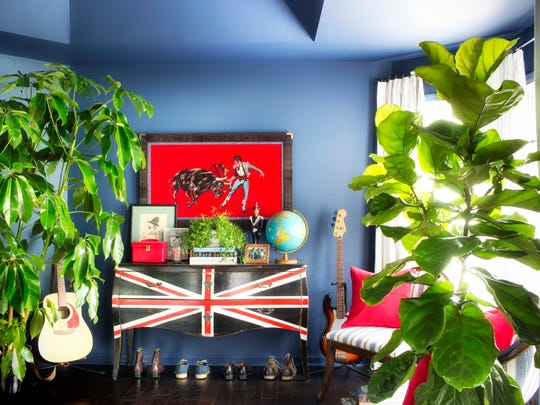 In this undated image provided by Brian Patrick Flynn and Scripps Network Interactive, red, white and blue can be the perfect color palette for a preteen?s bedroom, says interior designer Brian Patrick Flynn. (AP Photo/Brian Patrick Flynn/Scripps Network Interactive, Sarah Dorio)