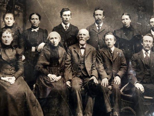 636565610646145967-Ike-Keister-and-family-1900.jpg