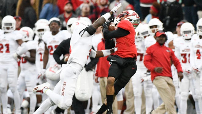 Oct 28, 2017; Bowling Green, KY, USA; WKU Hilltoppers  wide receiver Jacquez Sloan (2) makes a catch against the Florida Atlantic Owls at Houchens Industries-L.T. Smith Stadium.