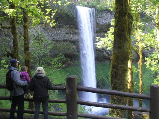 ​​​​​​​Mother's Day Brunch at Silver Falls Lodge: A