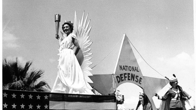 Palm Springs Woman's Club float in the 1942 Desert Circus parade.