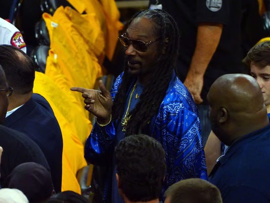 Snoop Dogg's message to Warriors: Watch out for Lakers