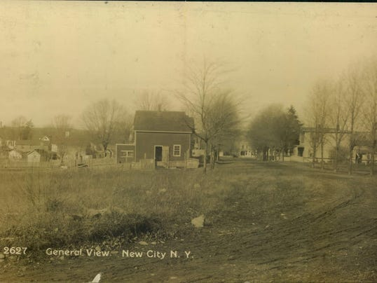 635957250827305145-New-City-General-View-circa-1910-published-by-Garraway-Rutherford-New-Jersey-.JPG