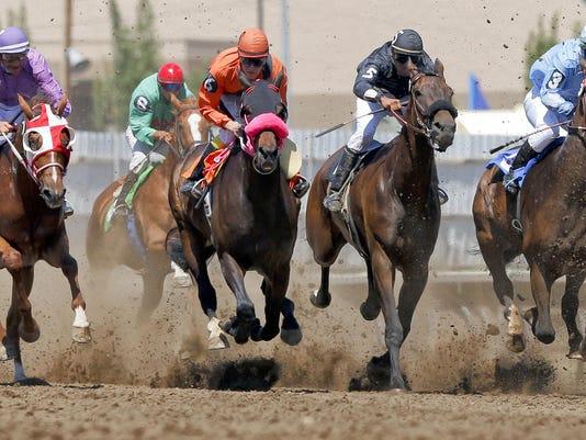 2 Horse Racing
