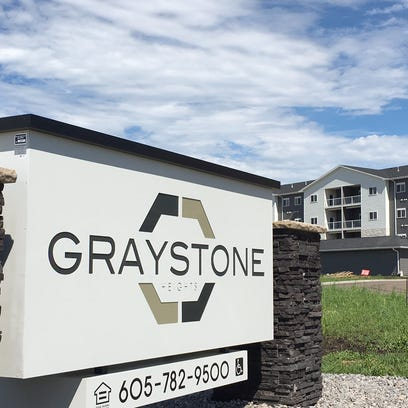 330-unit Graystone Heights to have dog park, concierge service, in/outdoor pools