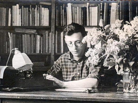 Dynkin at work, 1947.jpg