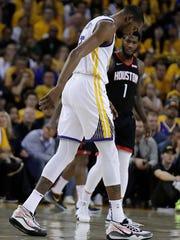 Rockets_Warriors_Basketball_37504.jpg