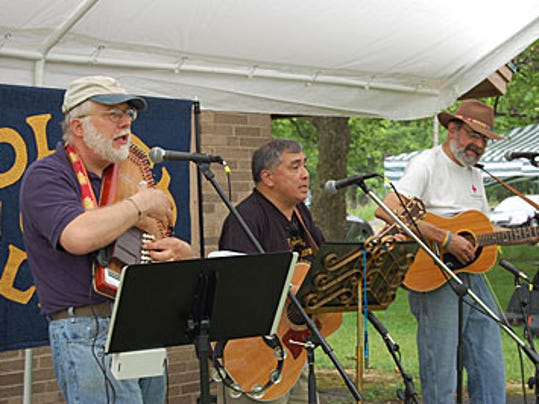 Golden Link musicians at ADK Outdoot Expo in 2011