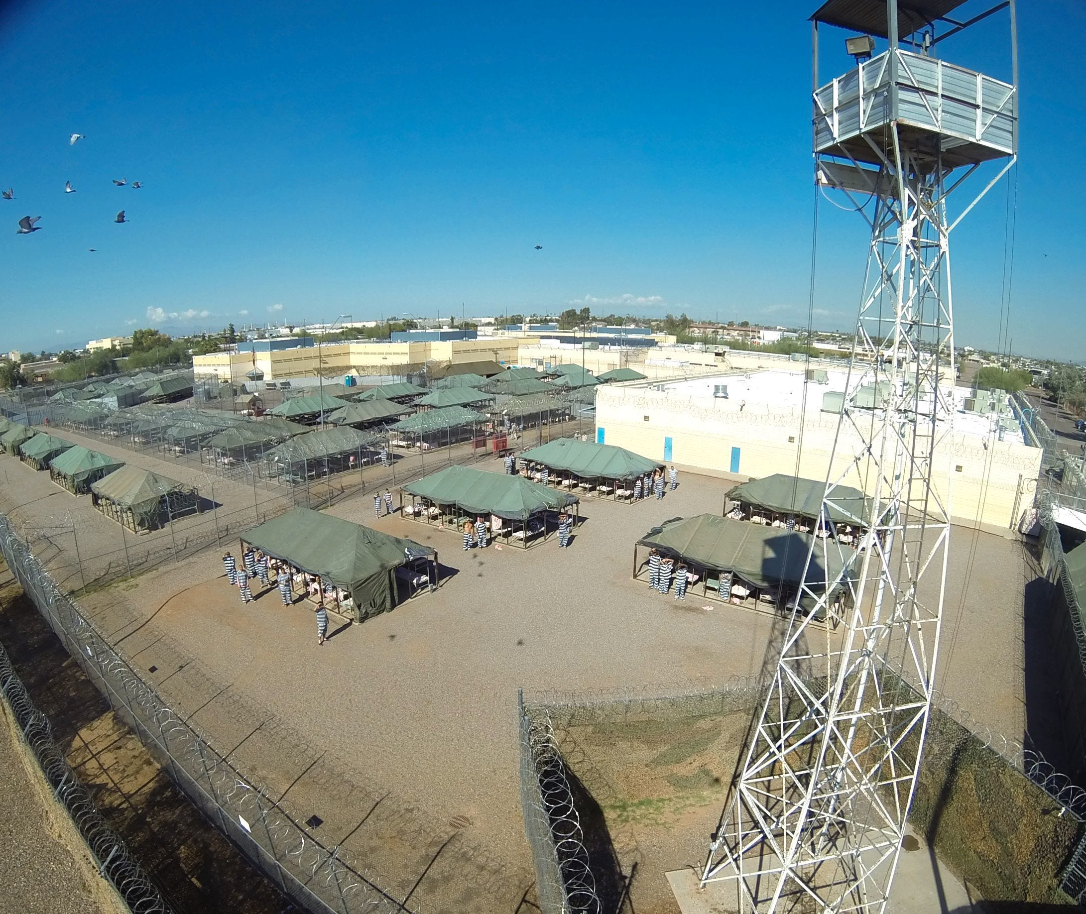 & Maricopa Countyu0027s Tent City still housing 350 inmates during heat wave