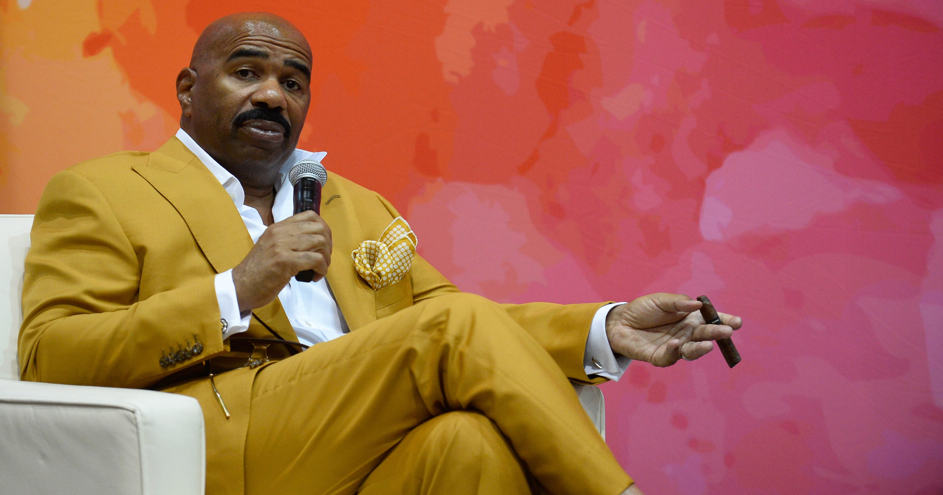 why steve harvey won t apologize for his don t talk to me staff memo