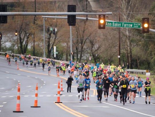 Marathoners run along Neyland Dr. on the third mile